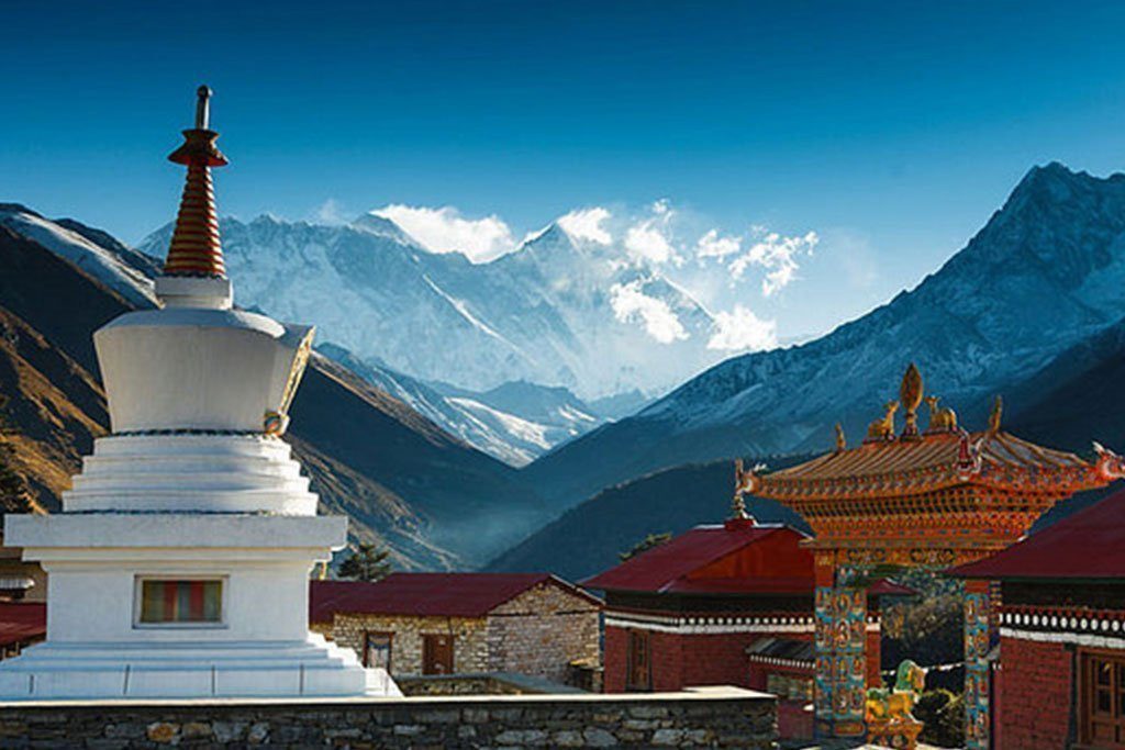 Annapurna and Everest Luxury Trek with Chitwan Tour