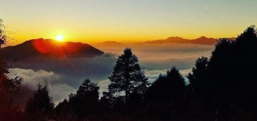 Nagarkot Sunrise View and Day Hiking from Kathmandu